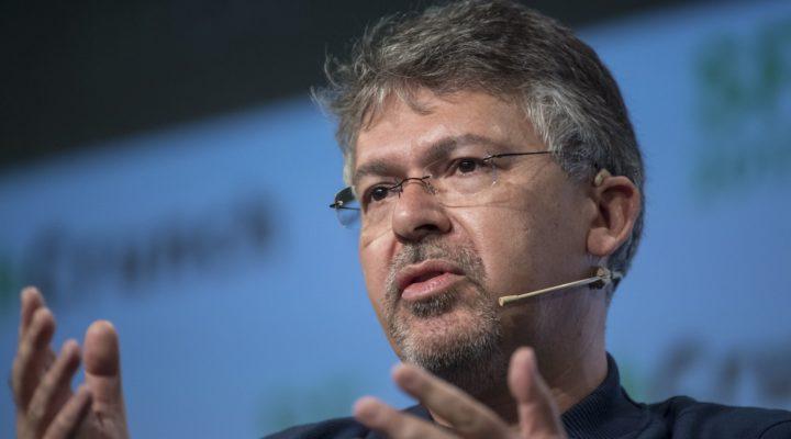 Apple contrata al jefe de inteligencia artificial de Google