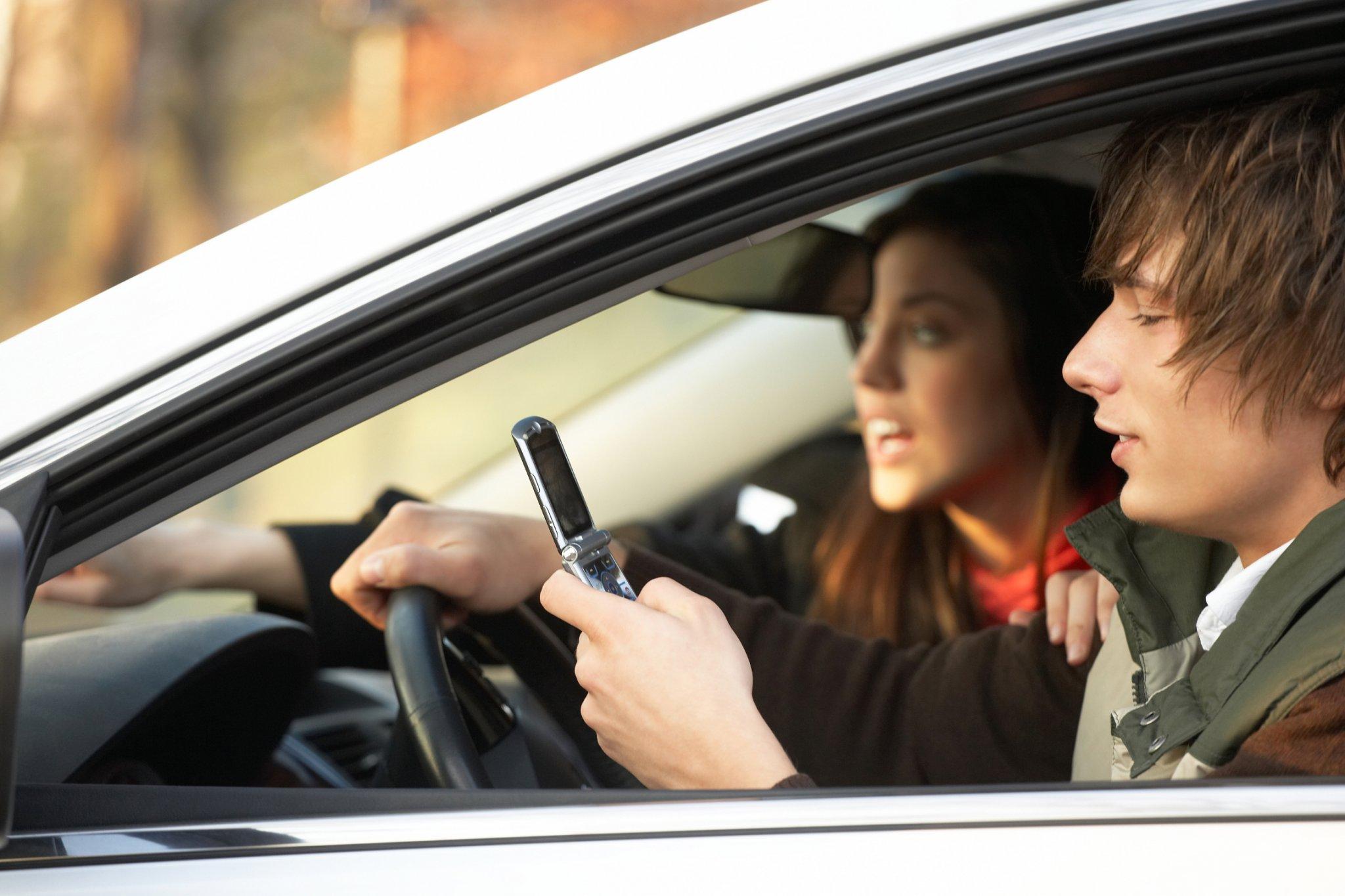 Auriculares que se pueden usar conduciendo